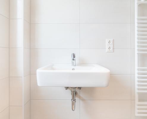 Norme électrique entre lavabo et prise