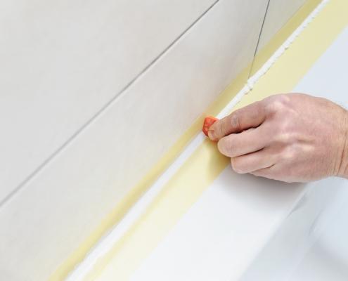 Remplacer un joint de silicone pour la salle de bain