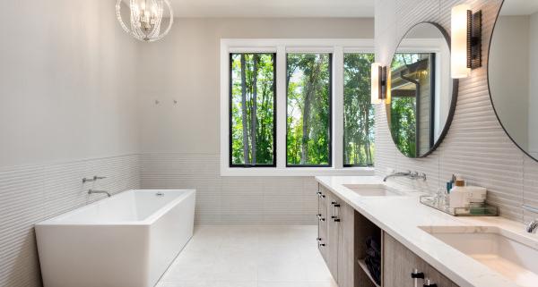 Sur quels critères choisir le luminaire de sa salle de bain ?